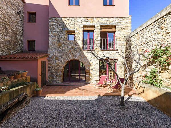 Villa in Godall