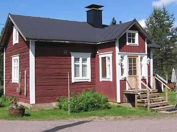 Town house in Pello