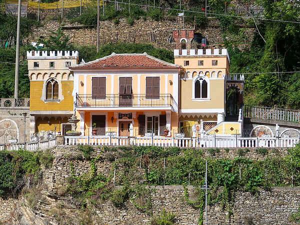 Villa i Badalucco
