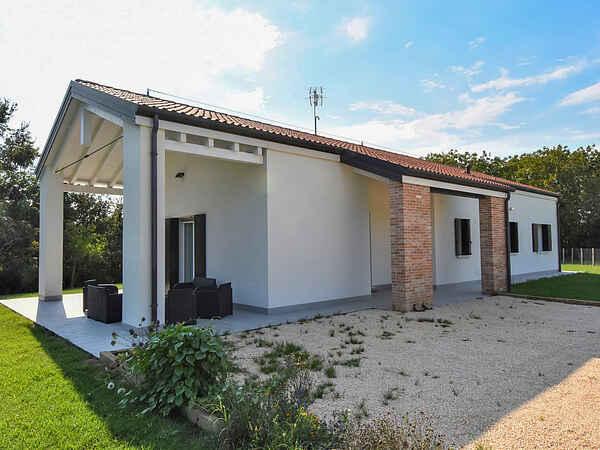 Villa i Oriago