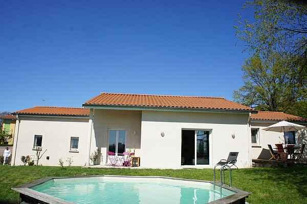 Sommerhus i Montrond-les-Bains