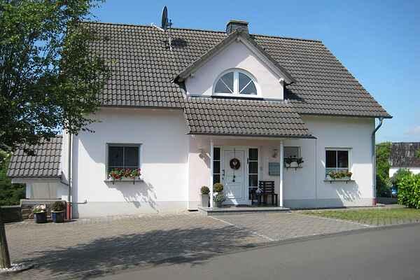Lägenhet i Strotzbüsch