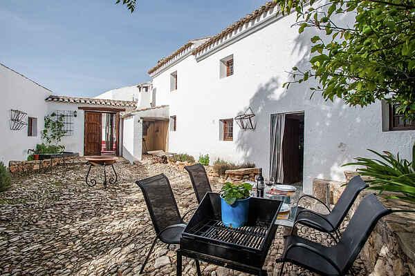 Gårdshus i Fuentes de Cesna