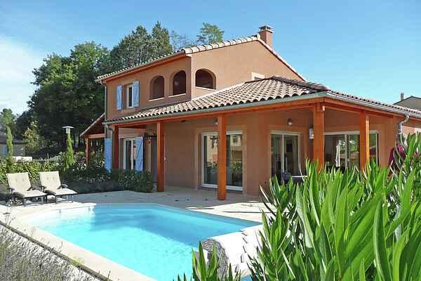 Villa i Salavas