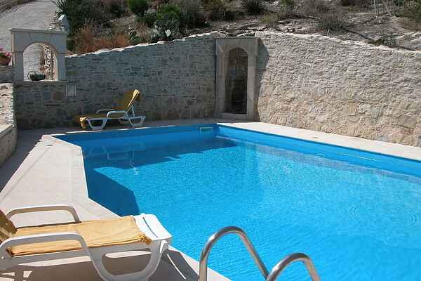 Villa in Malades