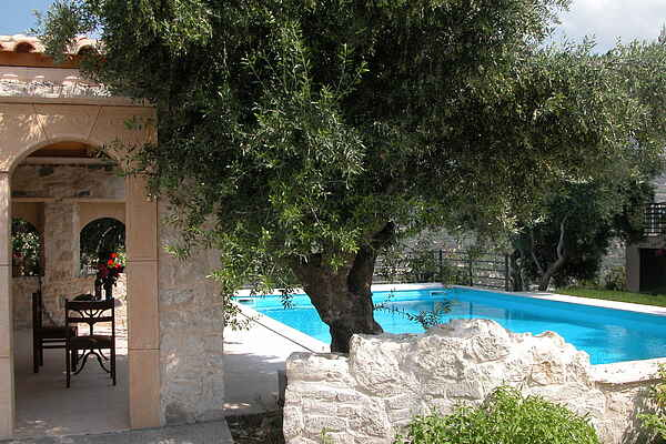 Villa in Candia