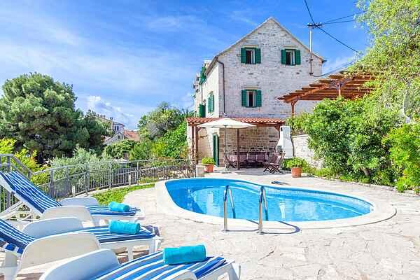 Villa in Selca
