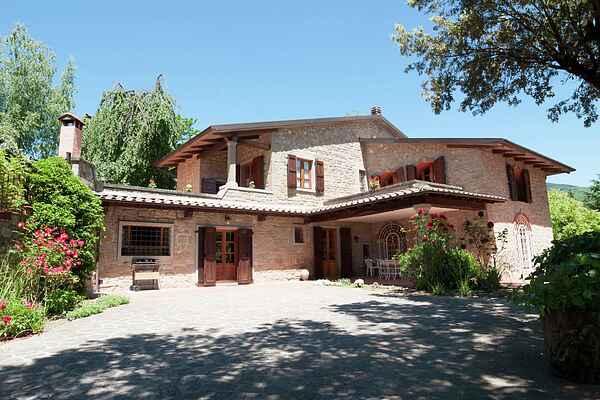 Villa in Stia