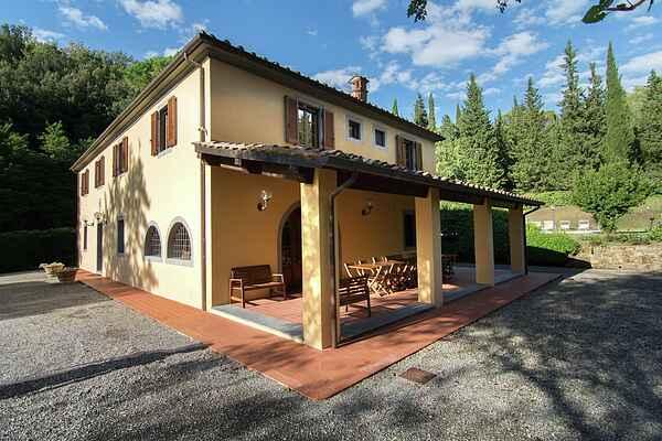Villa i Terricciola