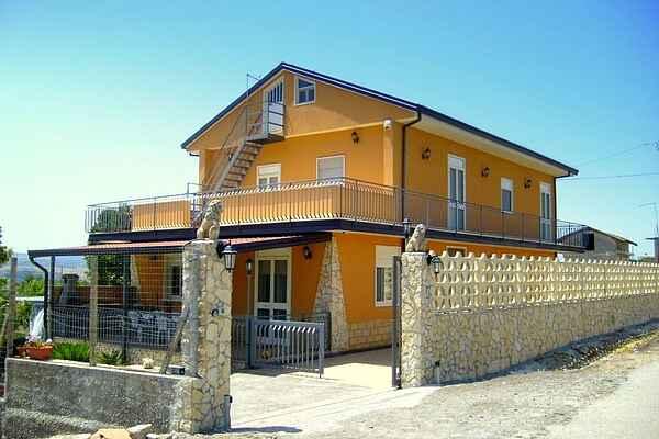 Sommerhus i Leontini