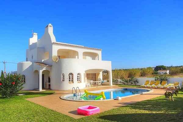 Villa in Sesmarias