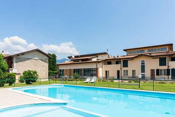 Ferielejlighed i Cunettone-villa