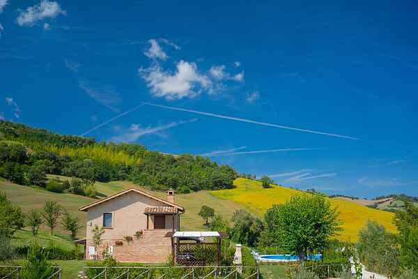 Villa in San Severino Marche