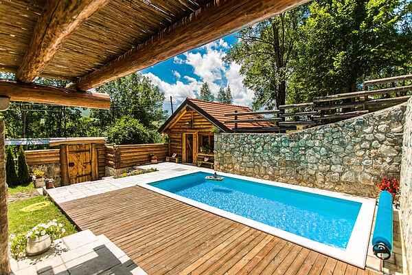 Cottage in Gračac