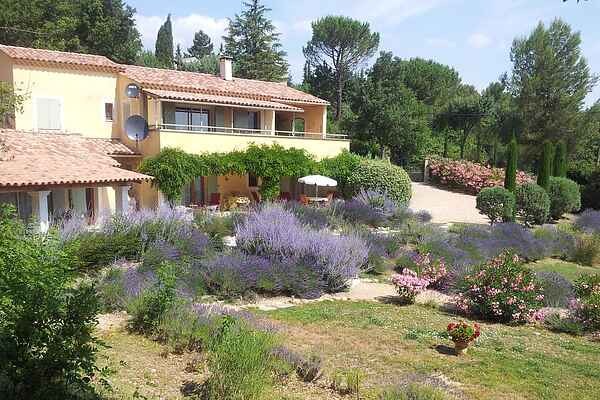 Villa in Saint-Saturnin-lès-Apt