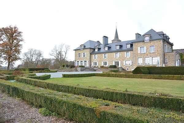 Castle in Libramont-Chevigny