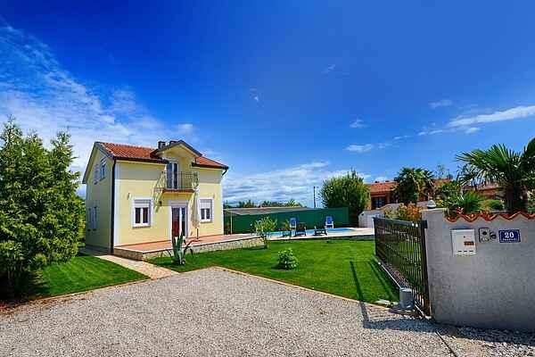 Holiday home in Rogovići