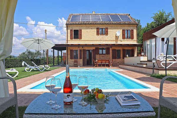 Villa in Ponzano di Fermo