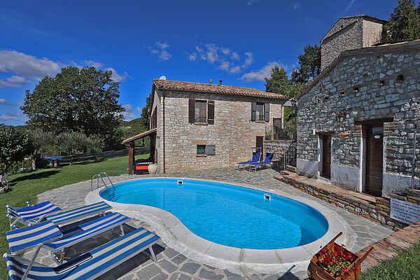 Villa in Acqualagna
