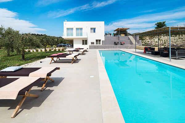 Villa in Avola