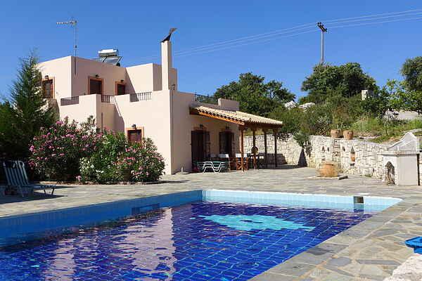 Villa i Axos