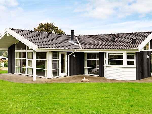 Holiday home in Hejlsminde Strand