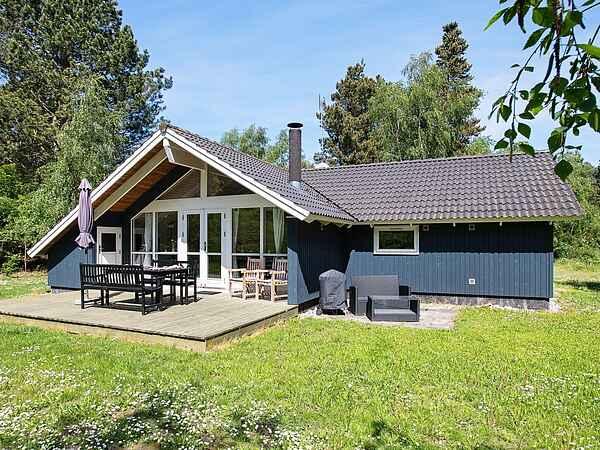 Holiday home in Ebbeløkke Strand
