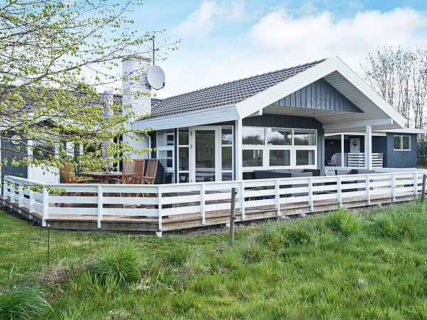 Sommerhus i Høll