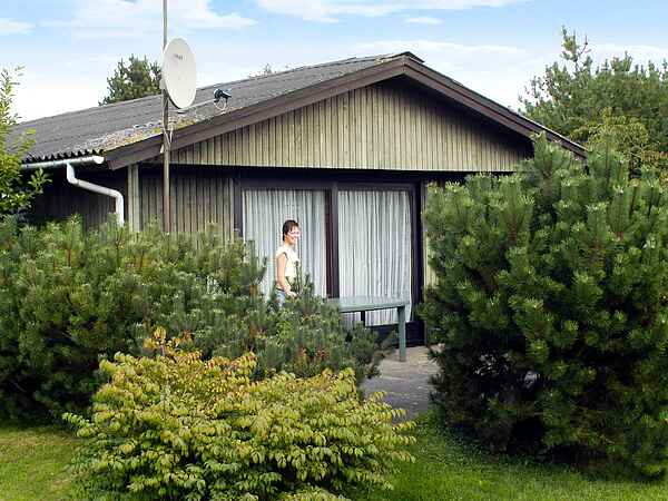 Holiday home in Høll