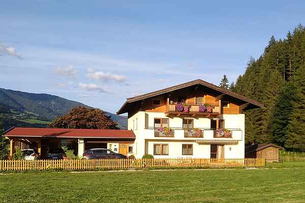 Holiday home in Hollersbach im Pinzgau