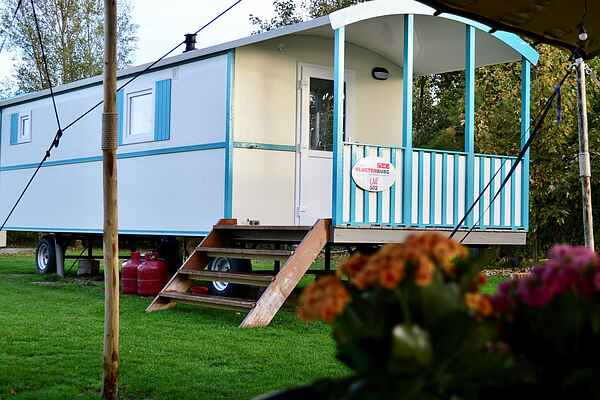 Mobile home in South Holland