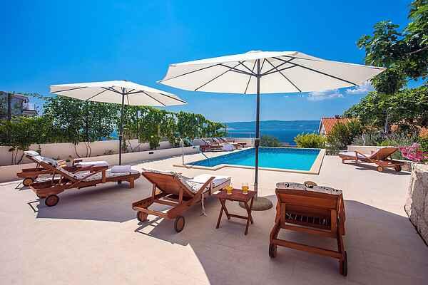 Villa Dasianda 90 m from the beach, private heated pool