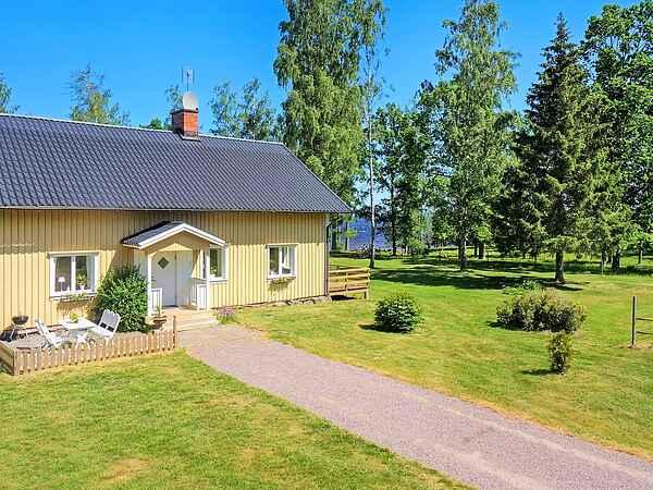 Holiday home in Gullspång S