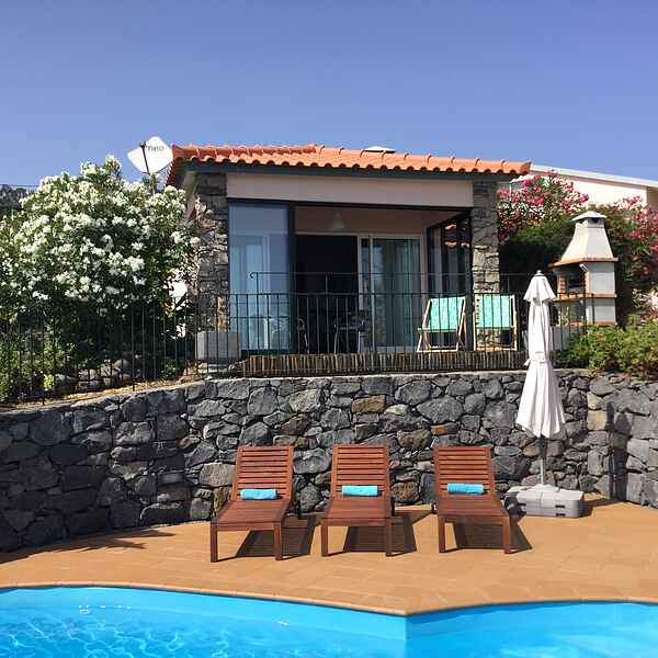 Romantic Holiday Home with Swimming Pool and Sea Views!