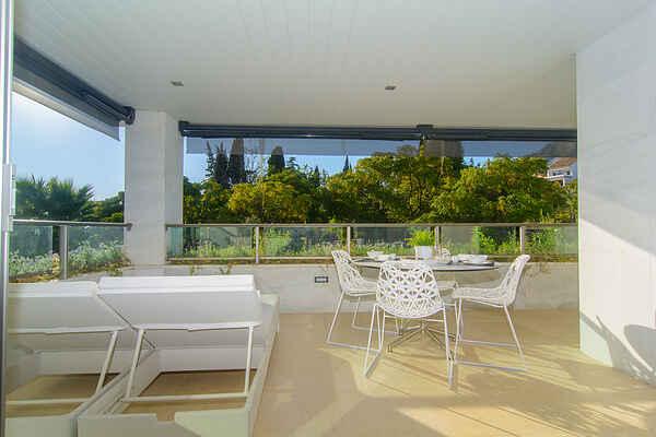 Golden Mile lejligheds terrasser, pool, jacuzzi
