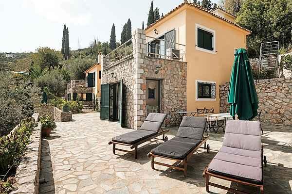Villa in Pera Melana