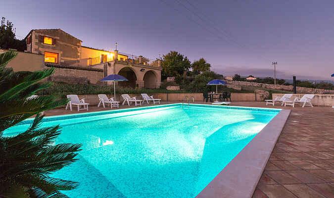 Diana, Villa mit Swimmingpool und Panoramaterrasse