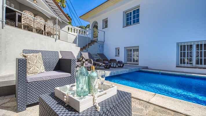 Villa Rosa, met privé zwembad en vlakbij strand
