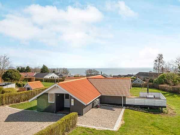 Sommerhus ved Mommark Strand