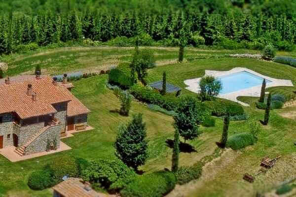 Villa in Parrano