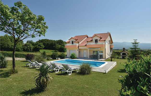 Holiday home in Brnaze