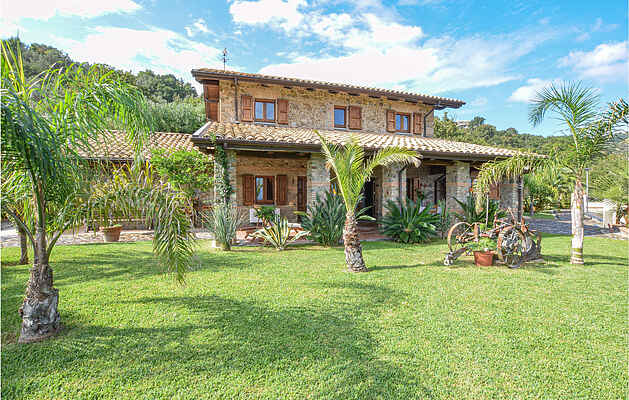 Holiday home in Montepaone